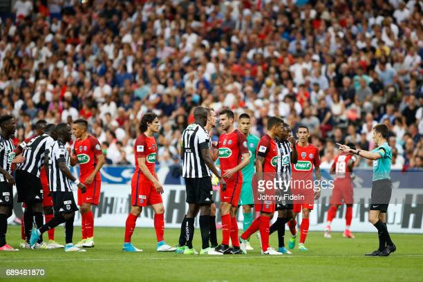 Thiago Silva of Paris Saint Germain and Benoit Bastien referee during the National Cup Final match between Angers SCO and Paris Saint Germain PSG at...