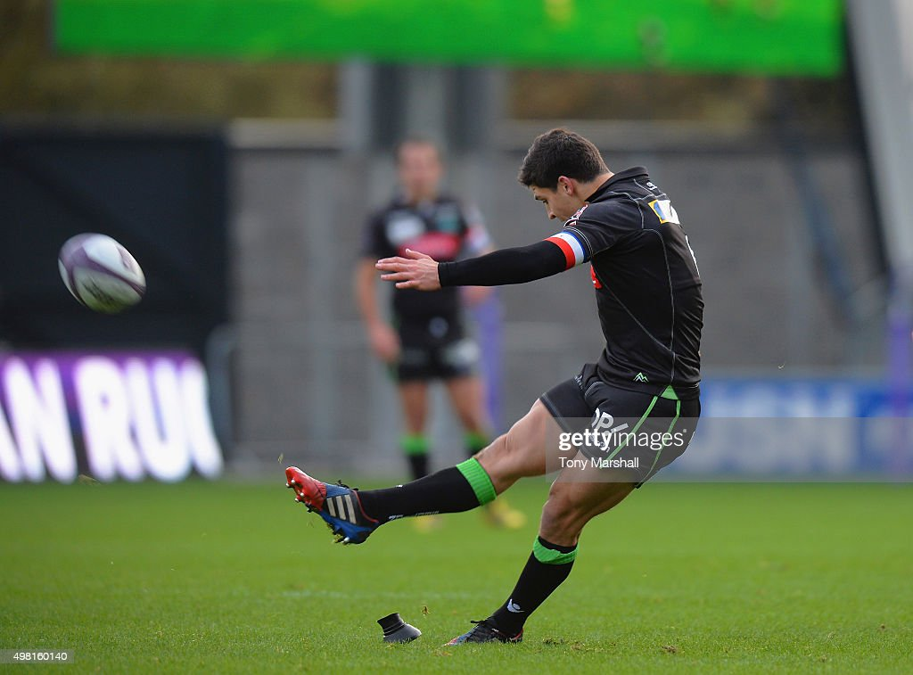 Thibault Daubagna of Pau makes a penalty kick during the European Rugby Challenge Cup match between Sale Sharks and Pau at AJ Bell Stadium on...