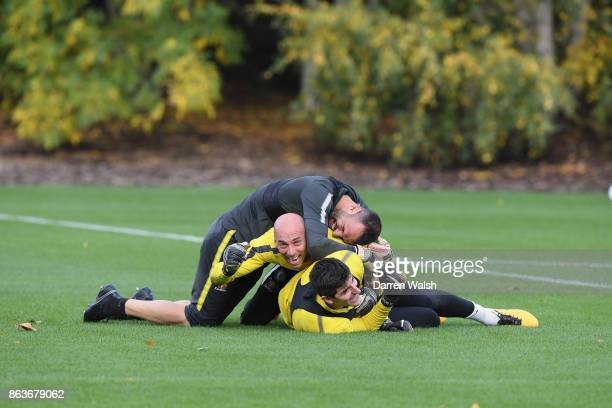 Thibaut Courtois Eduardo and Willy Caballero of Chelsea during a training session at Chelsea Training Ground on October 20 2017 in Cobham United...