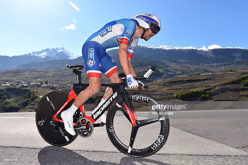 <a gi-track='captionPersonalityLinkClicked' href=/galleries/search?phrase=Thibaut+Pinot&family=editorial&specificpeople=6335753 ng-click='$event.stopPropagation()'>Thibaut Pinot</a> (FRA) during stage 3 of the Tour de Romandie on April 29, 2016 in Sion, Switzerland.