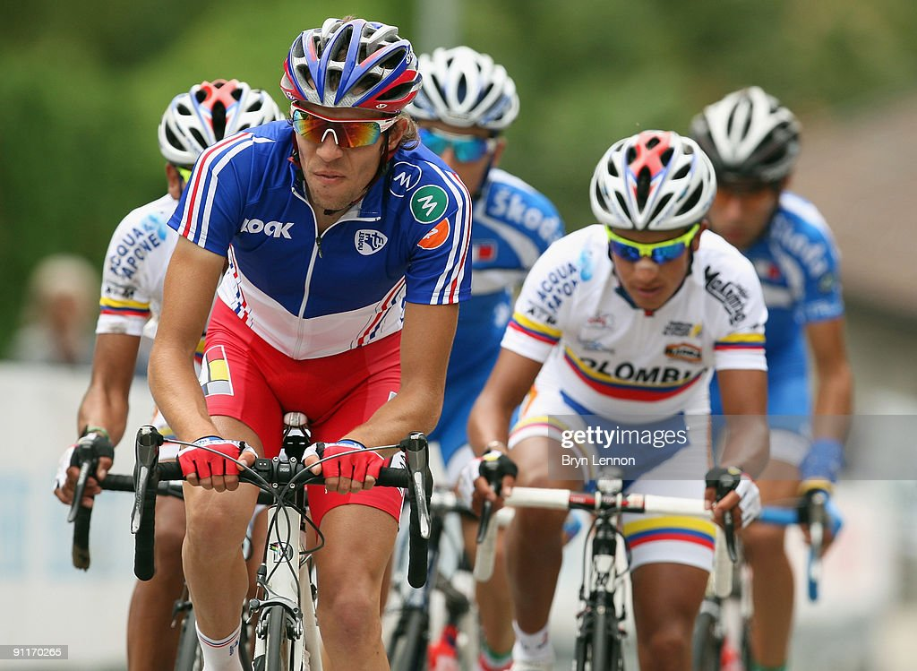 <a gi-track='captionPersonalityLinkClicked' href=/galleries/search?phrase=Thibaut+Pinot&family=editorial&specificpeople=6335753 ng-click='$event.stopPropagation()'>Thibaut Pinot</a> of France in action in the Men's Under 23 Road Race at the 2009 UCI Road World Championships on September 26, 2009 in Mendrisio, Switzerland.
