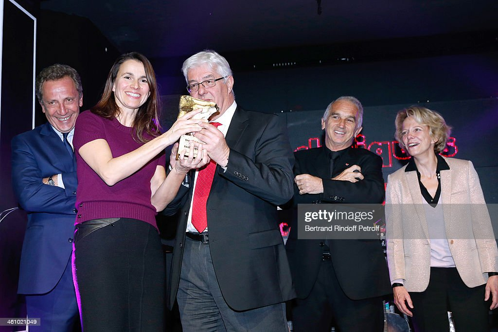 Thierry de Segonzac, French Culture Minister Aurelie Filippetti, CEO of Transpalux and awarded Didier Diaz, President of the 'Cesar', the French Academy Awards Alain Terzian and President of CNC Frederique Bredin attend 'Cesar et Techniques 2014' Award Ceremony at Club Haussmann on January 6, 2014 in Paris, France.