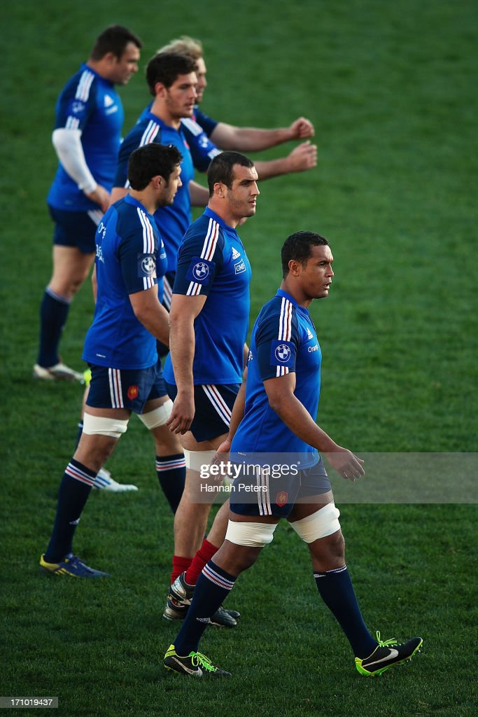 <a gi-track='captionPersonalityLinkClicked' href=/galleries/search?phrase=Thierry+Dusautoir&family=editorial&specificpeople=544025 ng-click='$event.stopPropagation()'>Thierry Dusautoir</a> of France takes his team through a warm up during a France captain's run at Yarrow Stadium on June 21, 2013 in New Plymouth, New Zealand.