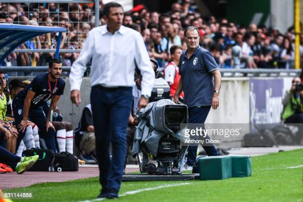 Thierry Laurey coach of Strasbourg and Marcelo Bielsa coach of Lille during the Ligue 1 match between Racing Club Strasbourg and Lille OSC at Stade...