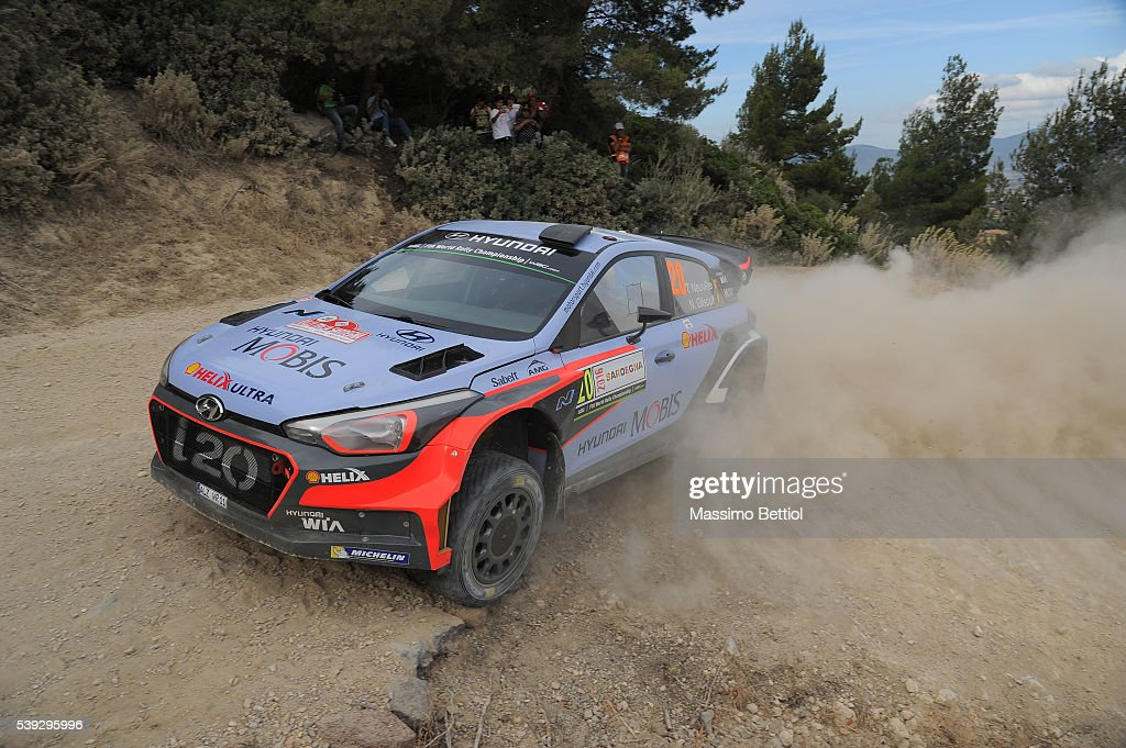<a gi-track='captionPersonalityLinkClicked' href=/galleries/search?phrase=Thierry+Neuville&family=editorial&specificpeople=8627679 ng-click='$event.stopPropagation()'>Thierry Neuville</a> of Belgium and Nicolas Gilsoul of Belgium compete in their Hyundai Motorsport WRT Hyundai i20 WRC during Day One of the WRC Italy on June 10, 2016 in Alghero, Italy.