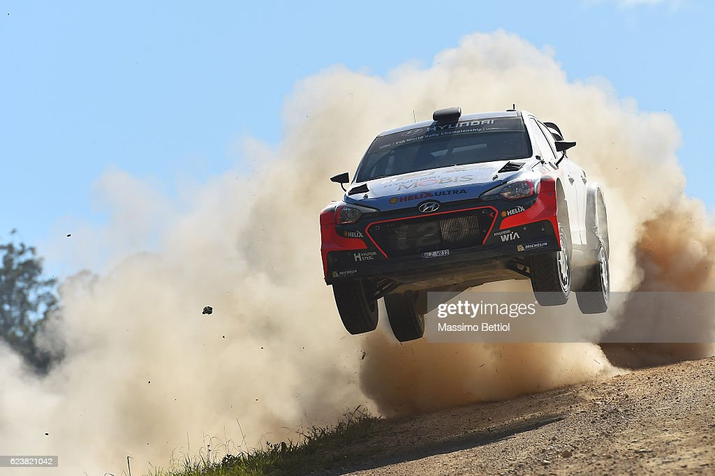 Thierry Neuville of Belgium and Nicolas Gilsoul of Belgium compete in their Hyundai Motorsport WRT Hyundai i20 WRC during the Shakedown of the WRC Australia on November 17, 2016 in Coffs Harbour, Australia.