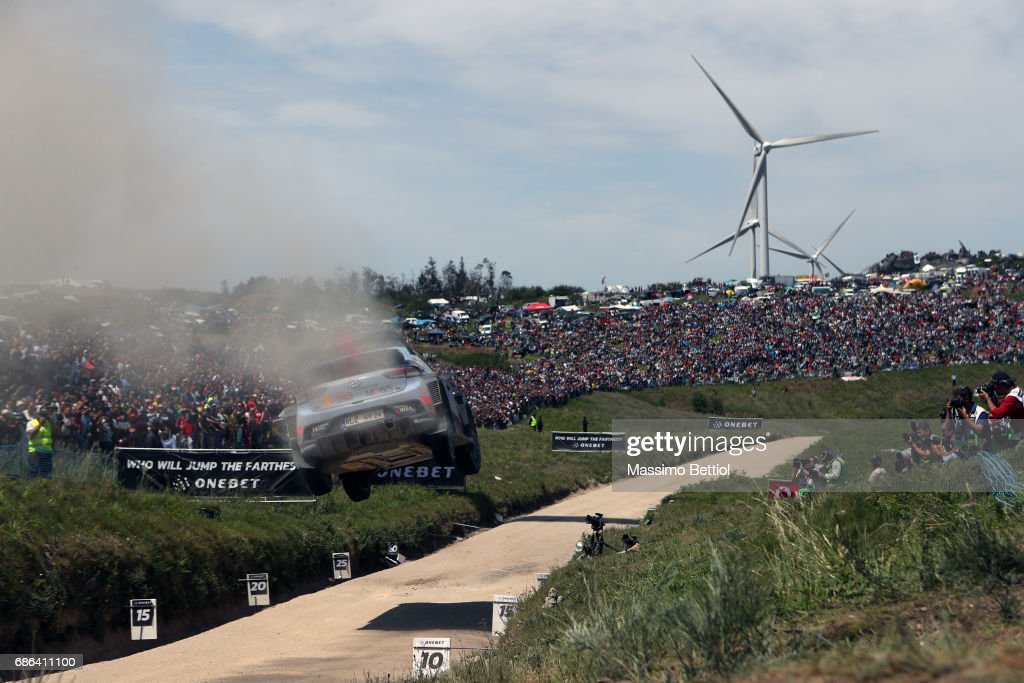Thierry Neuville of Belgium and Nicolas Gilsoul of Belgium compete in their Hyundai Motorsport WRT Hyundai i20 WRC during Day Three of the WRC Portugal on May 21, 2017 in Faro, Portugal.