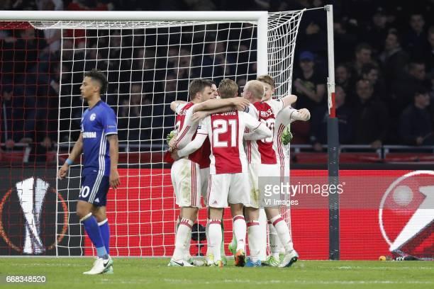 Thilo Kehrer of FC Schalke 04 Joel Veltman of Ajax Nick Viergever of Ajax Frenkie de Jong of Ajax Davy Klaassen of Ajax Matthijs de Ligt of...