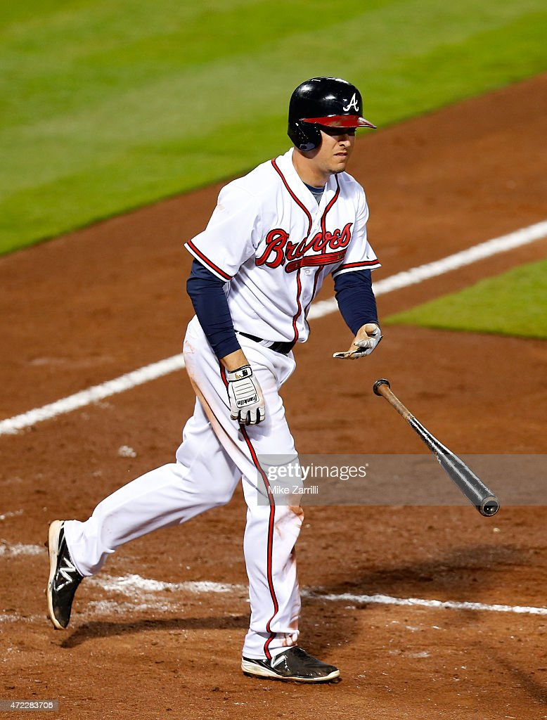 Third baseman <a gi-track='captionPersonalityLinkClicked' href=/galleries/search?phrase=Kelly+Johnson+-+Honkbalspeler&family=editorial&specificpeople=4520789 ng-click='$event.stopPropagation()'>Kelly Johnson</a> #24 of the Atlanta Braves walks with the bases loaded in the seventh inning during the game against the Philadelphia Phillies at Turner Field on May 5, 2015 in Atlanta, Georgia.
