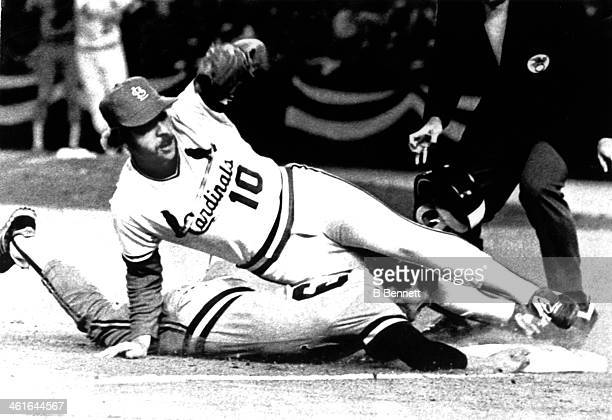 Third baseman Ken Oberkfell of the St Louis Cardinals tags out Robin Yount of the Milwaukee Brewers during Game 7 of the 1982 World Series on October...