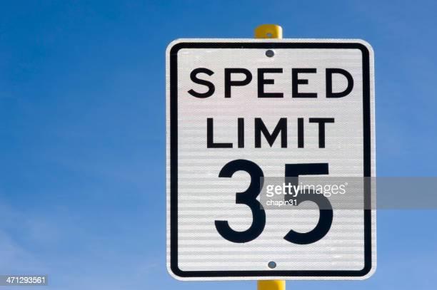 Trinta cinco 35 milhas por hora Placa de Limite de Velocidade