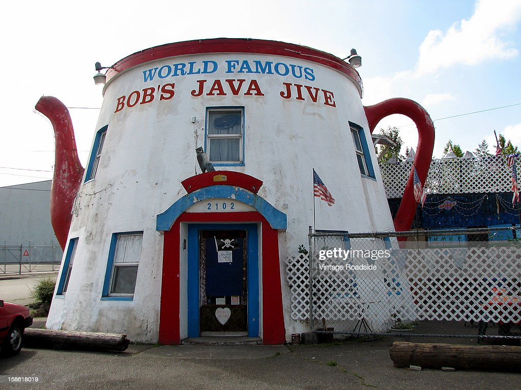 CONTENT] This coffee pot-shaped building is a wonderful example of mimetic roadside architecture. This example was built in 1927.