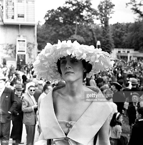 This elegant woman attending the Prix de Diane at Chantilly racecourse is the Countess of Calmont fashion designer Christian Dior 's niece on June 8...