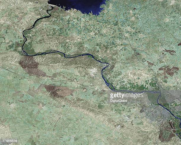 This is an undated satellite image of Mosul Iraq and the Mosul dam nearby A US audit report released October 30 2007 about the dam stated that it is...