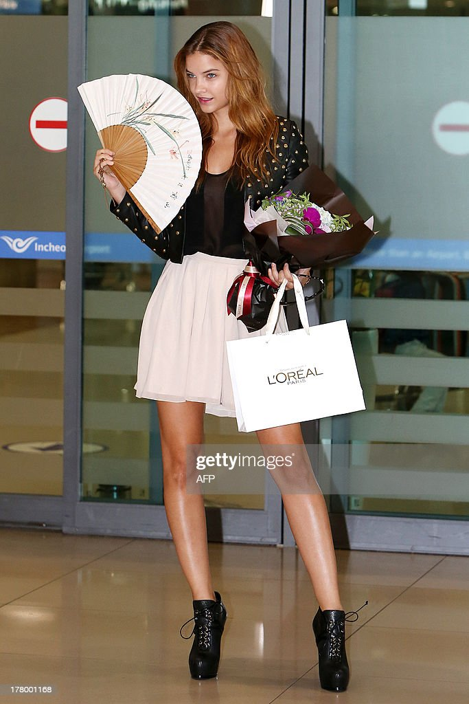 This photo taken on August 26, 2013 shows Hungarian model Barbara Palvin arriving at Incheon International Airport for photoshoot and TV appearance in Seoul. STARNEWS