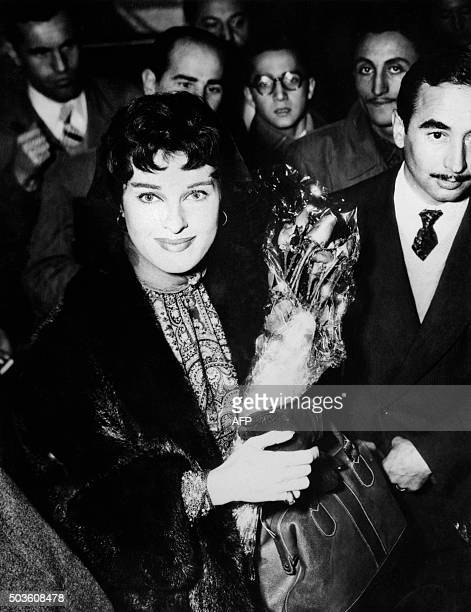This photo taken on December 30 1954 shows Italian actress Silvana Pampanini surrounded by fans upon her arrival in Istanbul Silvana Pampanini an...