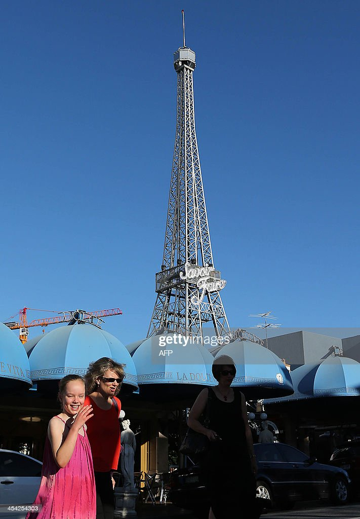 This picture shows a tower resembling Paris's Eiffel Tower in Brisbane on December 8, 2013. AFP PHOTO / Aman Sharma