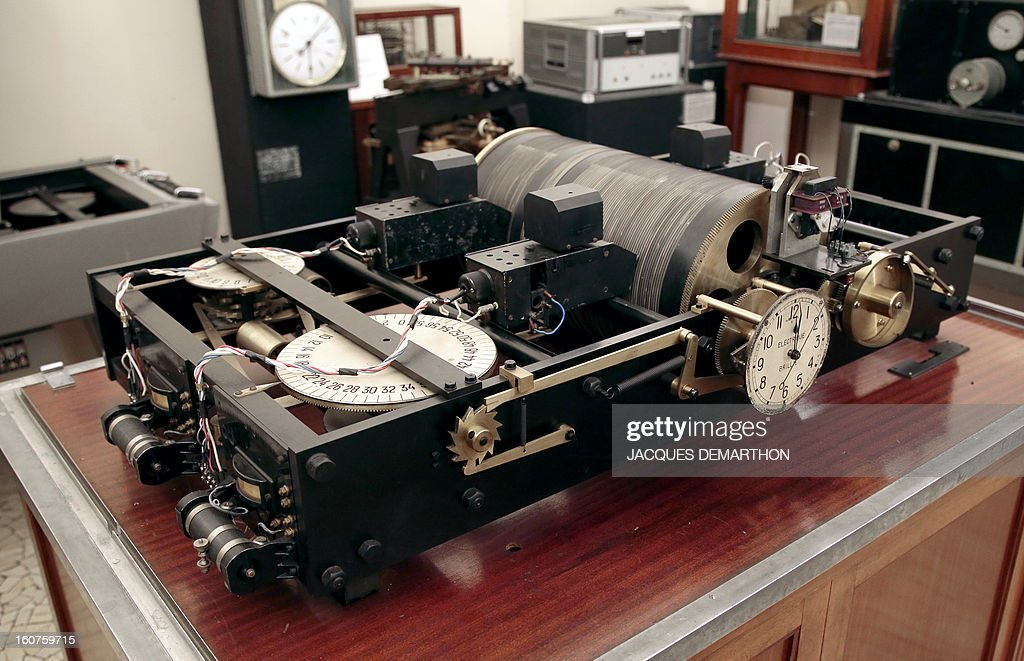This picture taken on February 5, 2013 at Paris' observatory shows the 1933 world first speaking clock. Paris' observatory is celebrating this year the speaking clock's 80 anniversary.