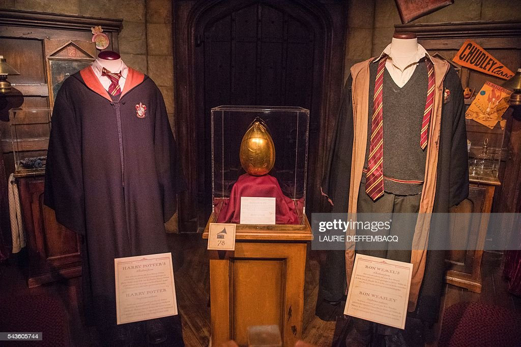 This picture taken on June 29, 2016 shows costumes and artifacts that appeared throughout the Harry Potter films at Harry Potter - The Exhibition in Brussels. / AFP / BELGA / LAURIE DIEFFEMBACQ / Belgium OUT