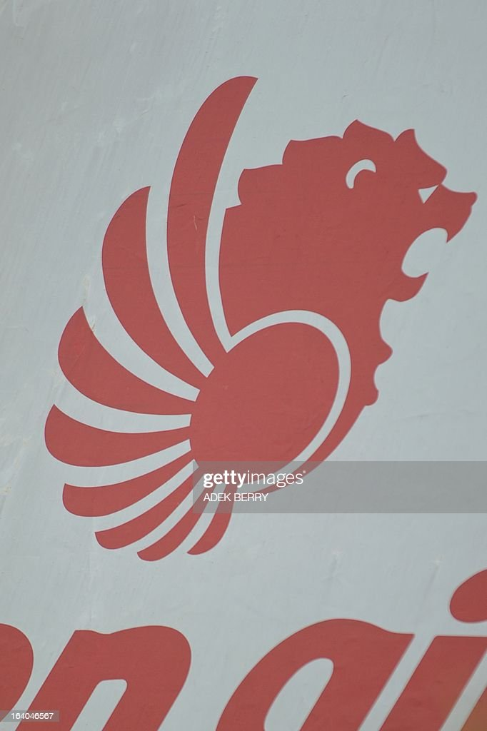 This picture taken on March 18, 2013 shows a logo for Lion Air, Indonesia's largest private carrier, displayed in Jakarta. European aircraft maker Airbus on March 18 announced a record order worth 18.4 billion euros (23.8 billion USD) from the Indonesian company Lion Air for 234 medium-range A320 jets.