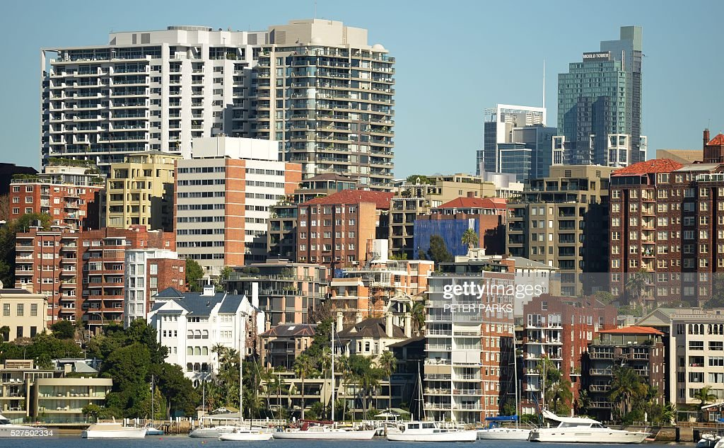 This view shows residential properties in Sydney on May 3, 2016. Australia's central bank on May 3 cut its cash rate by 25 basis points to a historic low of 1.75 percent, with the move triggered by lower-than-expected inflation. PARKS