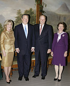 This years Nobel Peace Prize laureate Al Gore and his wife Tipper meet with Norwegian King Harald and Queen Sonja in the Royal Palace in Oslo 10...
