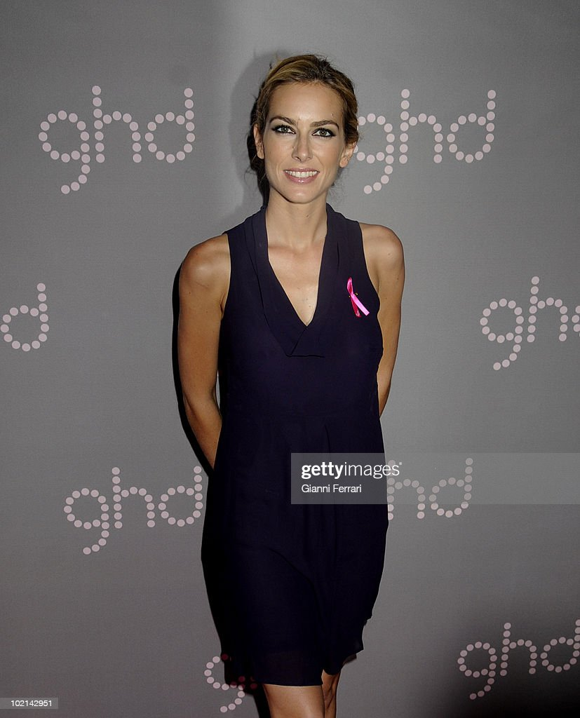 Thje TV presenter Kira Miro gives her support to the flight against the breast cancer, held on October 19, 2009, discoteque 'Pacha', Madrid, Spain. (Photo by Gianni Ferrari/Gety Images