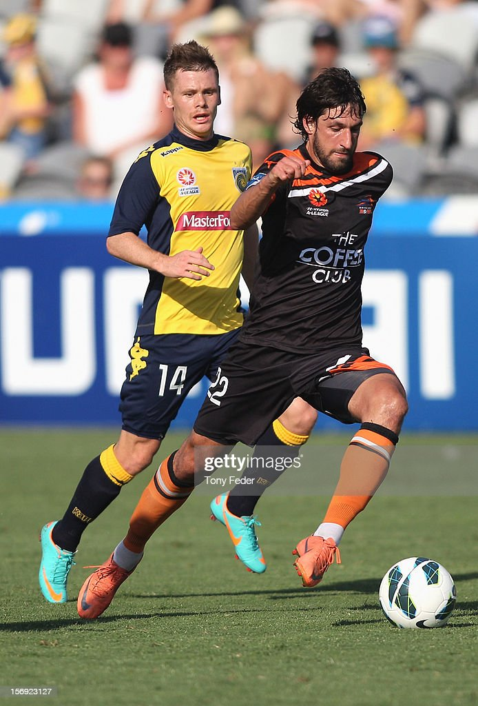 <a gi-track='captionPersonalityLinkClicked' href=/galleries/search?phrase=Thomas+Broich&family=editorial&specificpeople=676225 ng-click='$event.stopPropagation()'>Thomas Broich</a> of the Brisbane Roar controls the ball during the round eight A-League match between the Central Coast Mariners and the Brisbane Roar at at Bluetongue Stadium on November 25, 2012 in Gosford, Australia.