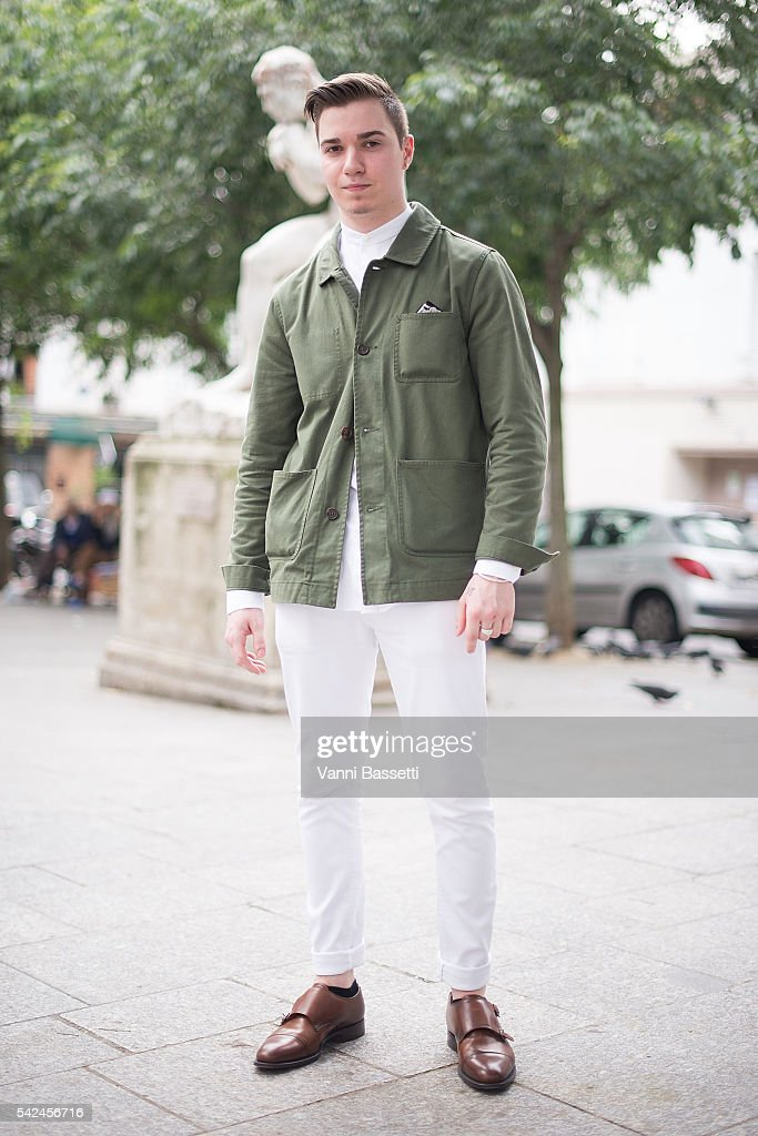 Street Style : Paris Fashion Week - Menswear Spring/Summer 2017 : Day Two