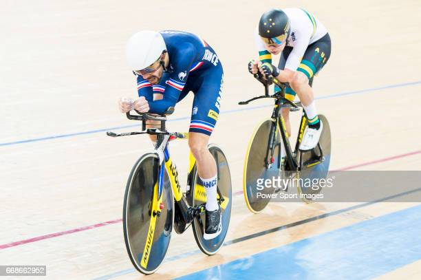 Thomas Denis of the France team and Kelland O'Brien of the Australia team compete in the Men's Individual Pursuit Qualifying during 2017 UCI World...