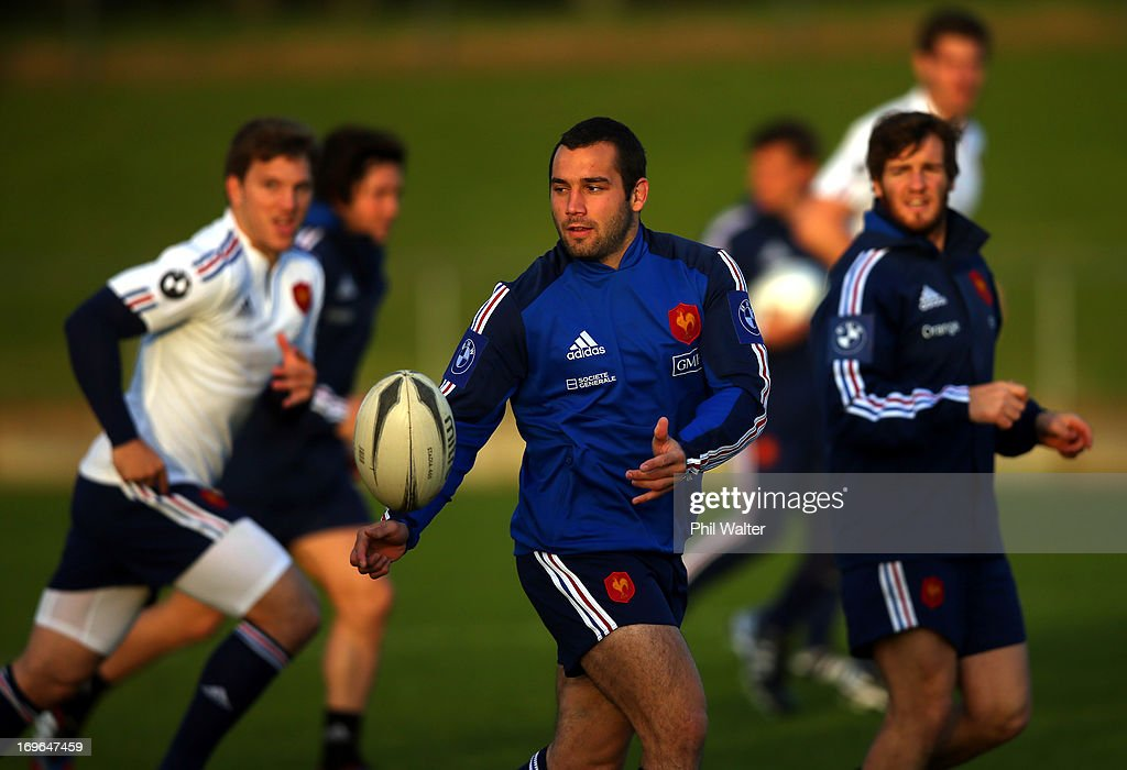 <a gi-track='captionPersonalityLinkClicked' href=/galleries/search?phrase=Thomas+Domingo&family=editorial&specificpeople=4651174 ng-click='$event.stopPropagation()'>Thomas Domingo</a> of France passes during a France rugby training session at Onewa Domain on May 30, 2013 in Takapuna, New Zealand.