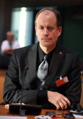 Thomas Drake former senior executive of the US National Security Agency turned whistleblower arrives to testify at the Bundestag commission...