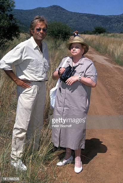 Thomas Fritsch Marianne Kiefer PRO 7 Serie 'Glueckliche Reise ' Folge 18 'Sun City' 'The Lost City'/SüdAfrika Südafrika Episode 1 'Zwei VIP's aus...