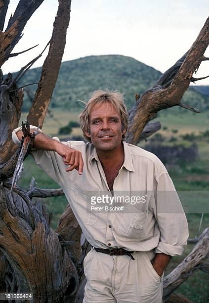 Thomas Fritsch neben den Dreharbeiten zur PRO 7 Serie 'Glueckliche Reise ' Folge 18 'Sun City' 'The Lost City'/SüdAfrika Südafrika Episode 1 'Zwei...