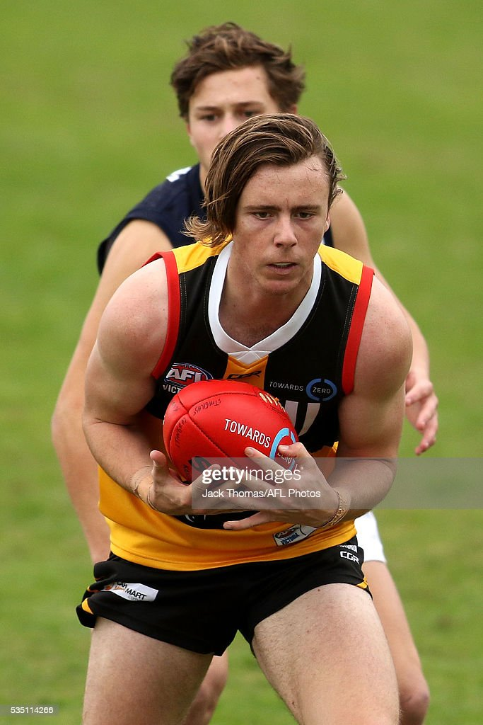 Thomas Glen of the Dandenong Stingrays marks the ball during the round eight TAC Cup match between Dandenong Stingrays and Geelong Falcons at Shepley Oval on May 29, 2016 in Melbourne, Australia.