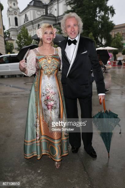 Thomas Gottschalk and his wife Thea Gottschalk attend the 'Aida' premiere during the Salzburg Opera Festival 2017 on August 6 2017 in Salzburg Austria