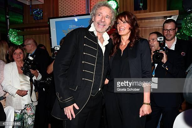 Thomas Gottschalk Carmen Boehning widow of Roy Black during the 'Ein Schloss am Woerthersee' 25th anniversary gala on May 8 2015 in Velden Austria