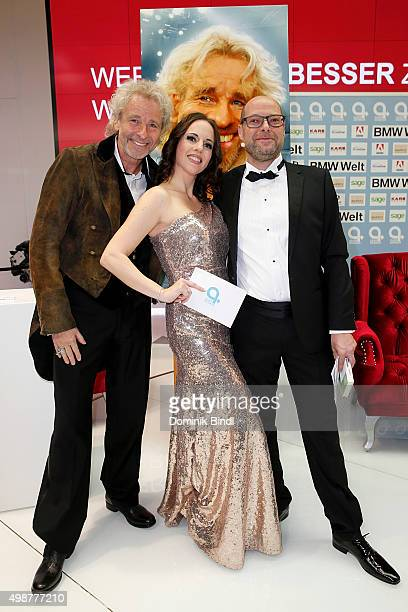 Thomas Gottschalk Desiree Duray and Otmar Ehrl attend the Querdenker Award 2015 at BMW World on November 25 2015 in Munich Germany