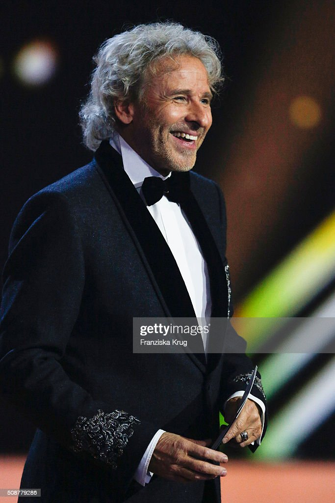 <a gi-track='captionPersonalityLinkClicked' href=/galleries/search?phrase=Thomas+Gottschalk&family=editorial&specificpeople=206369 ng-click='$event.stopPropagation()'>Thomas Gottschalk</a> on stage during the Goldene Kamera 2016 show on February 6, 2016 in Hamburg, Germany.