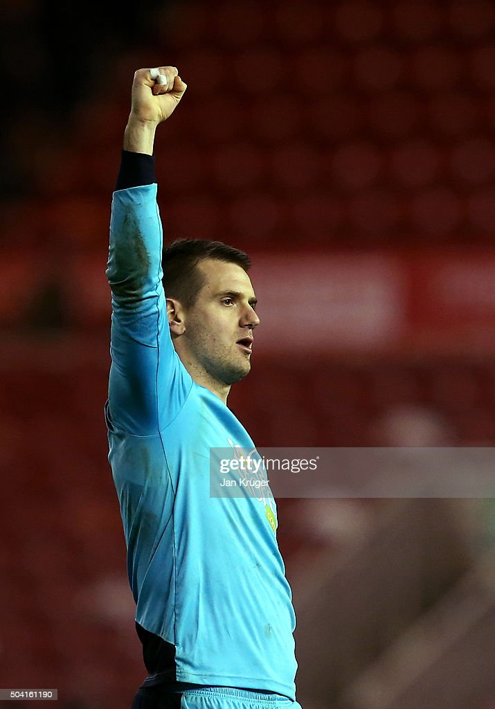 Thomas Heaton, Goalkeeper of Burnley celebrates the win during the Emirates FA Cup third round match between Middlesbrough and Burnley at Riverside Stadium on January 9, 2016 in Middlesbrough, England.