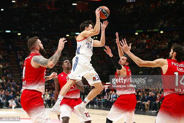 Thomas Heurtel 31 of Anadolu Efes Istanbul in action during the 2016/2017 Turkish Airlines EuroLeague Regular Season Round 6 game between EA7 Emporio...
