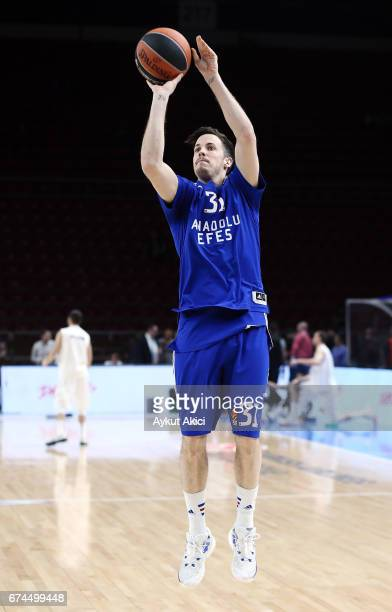 Thomas Heurtel #31 of Anadolu Efes Istanbul warmsup prior to the 2016/2017 Turkish Airlines EuroLeague Playoffs leg 4 game between Anadolu Efes...
