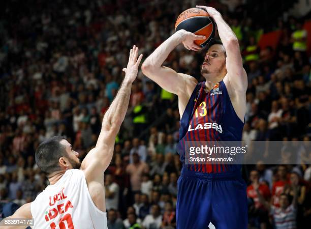 Thomas Huertel of Barcelona in action against Branko Lazic of Crvena Zvezda the 2017/2018 Turkish Airlines EuroLeague Regular Season game between...