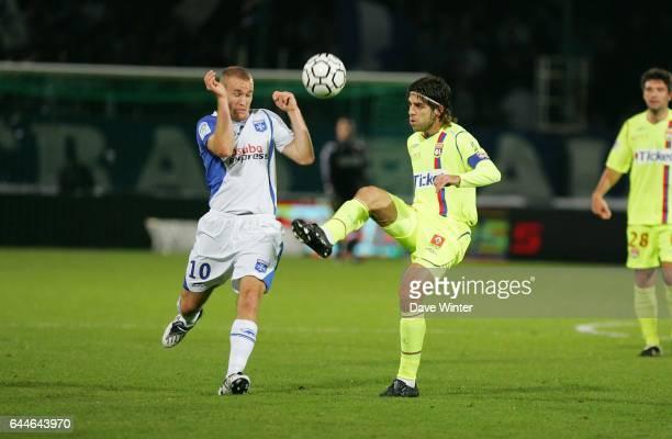 JUNINHO / Thomas KAHLENBERG Auxerre / Lyon Ligue 1 10e journee Photo Dave Winter / Icon Sport