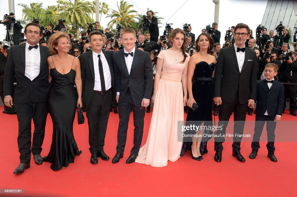 Thomas Langmann Maxim Emelianov Zukhra Duishvili Berenice Bejo Michel Hazanavicius and Abdul Khlim Mamamtsuiev attend 'The Search' Premiere at the...