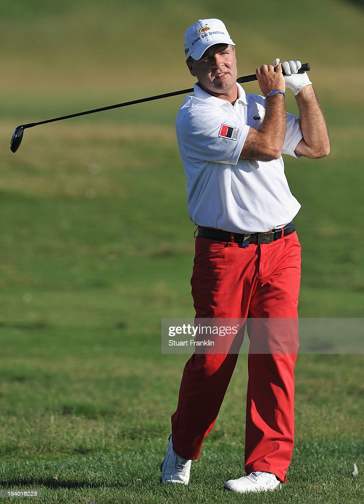 <a gi-track='captionPersonalityLinkClicked' href=/galleries/search?phrase=Thomas+Levet&family=editorial&specificpeople=203326 ng-click='$event.stopPropagation()'>Thomas Levet</a> of France plays a shot during the second round of the Portugal Masters at the Victoria golf course at Villamoura on October 12, 2012 in Faro, Portugal