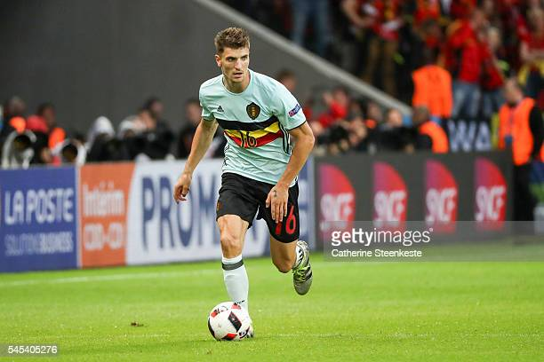 Thomas Meunier of Belgium controls the ball during the UEFA EURO 2016 Quarter Final match between Wales and Belgium at Stade PierreMauroy on July 1...
