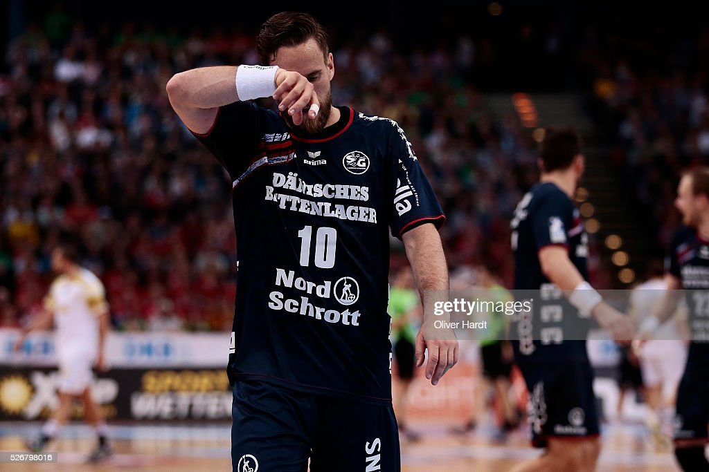 <a gi-track='captionPersonalityLinkClicked' href=/galleries/search?phrase=Thomas+Mogensen&family=editorial&specificpeople=4060426 ng-click='$event.stopPropagation()'>Thomas Mogensen</a> of Flensburg appears frustrated during the DKB REWE Final Four Finale 2016 between SG Flensburg Handewitt and SC Magdeburg at Barclaycard Arena on May 1, 2016 in Hamburg, Germany.