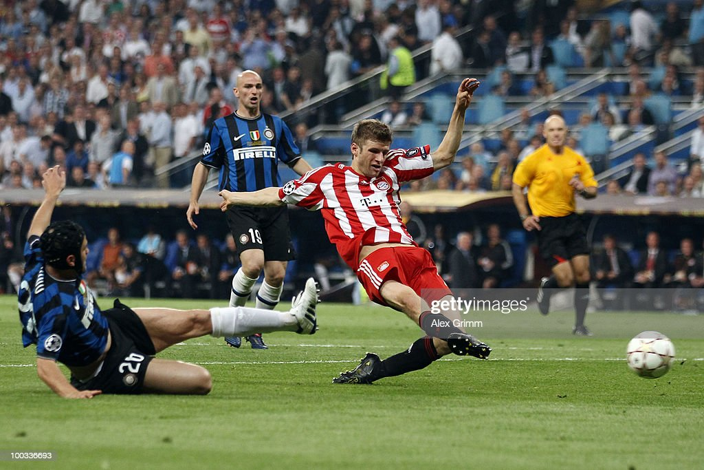 <a gi-track='captionPersonalityLinkClicked' href=/galleries/search?phrase=Thomas+Mueller&family=editorial&specificpeople=5842906 ng-click='$event.stopPropagation()'>Thomas Mueller</a> of Bayern Muenchen tries to score during the UEFA Champions League Final match between FC Bayern Muenchen and Inter Milan at the Estadio Santiago Bernabeu on May 22, 2010 in Madrid, Spain.