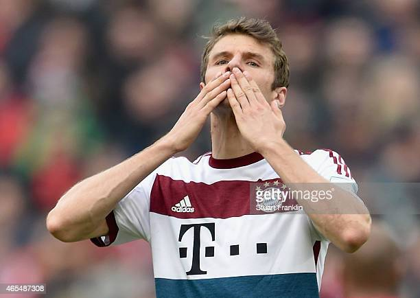 Thomas Mueller of FC Bayern Muenchen celebrates as he scores the second goal during the Bundesliga match between Hannover 96 and FC Bayern Muenchen...
